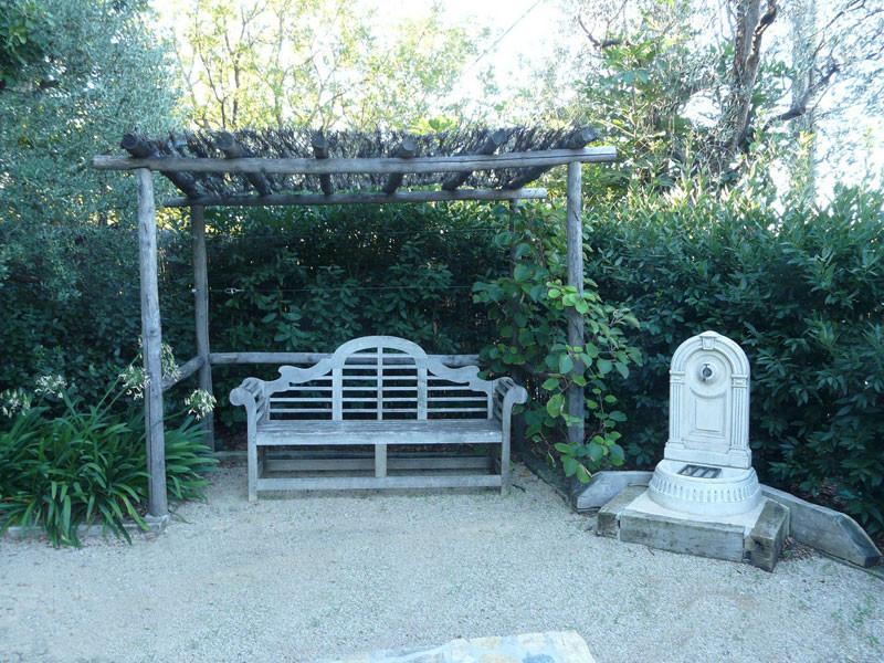 Pergolas st laurent du var tonnelle de jardin cagnes sur mer for Entreprise jardin 78