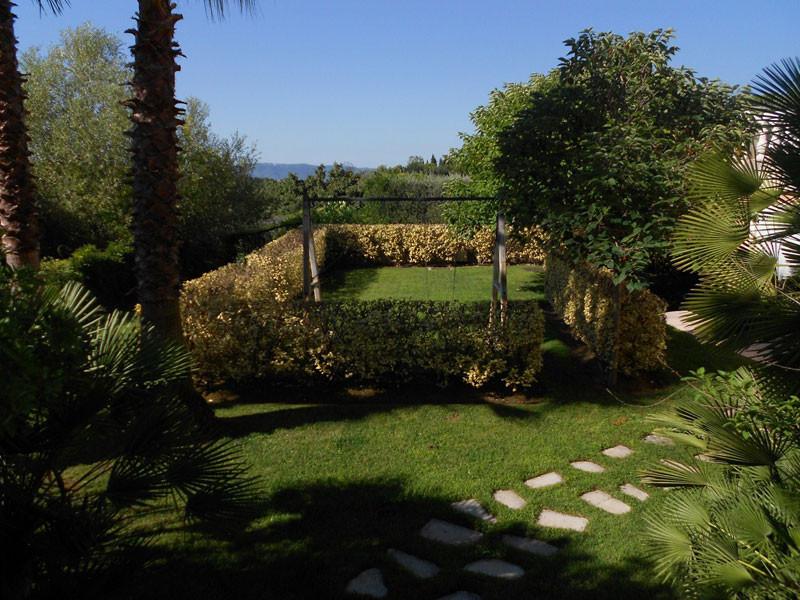 Entretien jardin saint laurent du var jardinier for Recherche personne pour entretien jardin